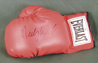 MICKY WARD - BOXING GLOVE SIGNED