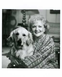 BETTY WHITE - AUTOGRAPHED SIGNED PHOTOGRAPH