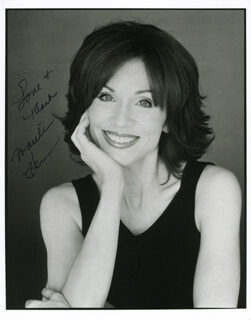 MARILU HENNER - AUTOGRAPHED SIGNED PHOTOGRAPH