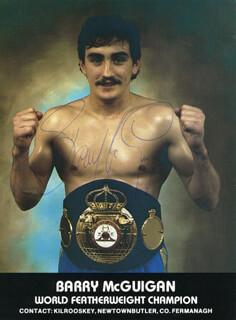 BARRY McGUIGAN - AUTOGRAPHED SIGNED PHOTOGRAPH