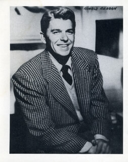PRESIDENT RONALD REAGAN - PHOTOGRAPH UNSIGNED