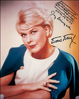 DORIS DAY - AUTOGRAPH MUSICAL QUOTATION ON PHOTO SIGNED CO-SIGNED BY: JAY LIVINGSTON