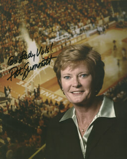PAT SUMMITT - AUTOGRAPHED SIGNED PHOTOGRAPH