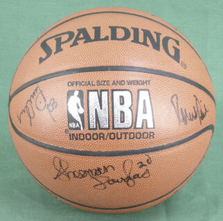 Autographs: BOSTON CELTICS - BASKETBALL SIGNED CO-SIGNED BY: ROBERT PARISH, ED PINCKNEY, RICK FOX, KEVIN GAMBLE, DEE BROWN, SHERMAN DOUGLAS, MATT WENSTROM, JIMMY OLIVER, XAVIER McDANIEL, CHRIS CORCHIANI, ACIE EARL