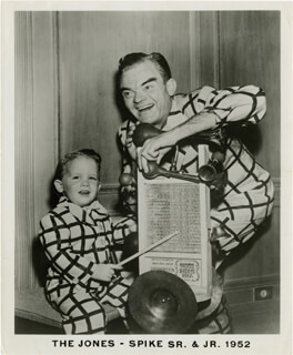 SPIKE JONES - PHOTOGRAPH UNSIGNED CIRCA 1952 WITH SPIKE JONES JR.