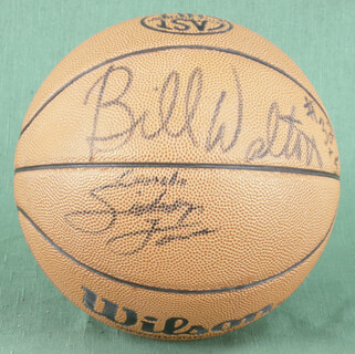 BILL WALTON - BASKETBALL SIGNED CO-SIGNED BY: DAN MAJERLE, DANNY MANNING, DAVID BENOIT, DANA BARROS
