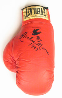 ARCHIE MOORE - BOXING GLOVE SIGNED 1997