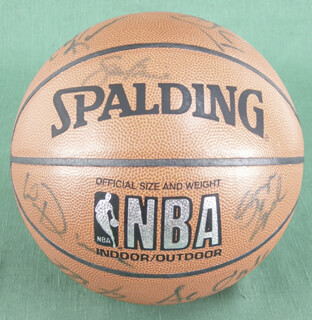 THE LOS ANGELES LAKERS - BASKETBALL SIGNED CO-SIGNED BY: JAMES A. WORTHY, TONY SMITH, ELDEN CAMPBELL, VLADE DIVAC, SAM PERKINS, SAM BOWIE, NICK VAN EXEL, ANTHONY PEELER, JAMES EDWARDS, SEDALE THREATT