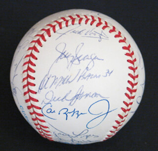 Autographs: THE BALTIMORE ORIOLES - BASEBALL SIGNED CO-SIGNED BY: JOHNNY OATES, HAROLD HAL BAINES, MARK WILLIAMSON, CAL RIPKEN JR., LEE SMITH, LONNIE SKATES SMITH, SID EL SID FERNANDEZ, DWIGHT (JOHN) SMITH, BRADY ANDERSON, JAMIE MOYER, CHRIS HOILES, MIKE MUSSINA, TIM HULETT, MIKE OQUIST, JEFF TACKETT, JIM POOLE, MARK EICHHORN, LEO GOMEZ, JACK VOIGT, TOM BOLTON, MARK MCLEMORE, MIKE DEVEREUX, JEFFREY HAMMOND, DAMON BUFORD