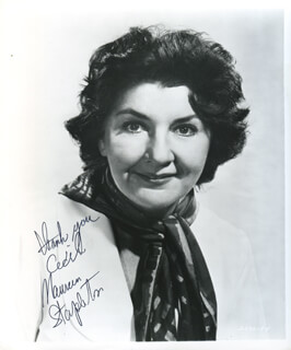 MAUREEN STAPLETON - AUTOGRAPHED INSCRIBED PHOTOGRAPH