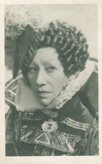 DAME FLORA ROBSON - AUTOGRAPHED SIGNED PHOTOGRAPH