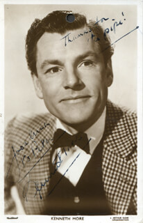 KENNETH MORE - INSCRIBED PICTURE POSTCARD SIGNED