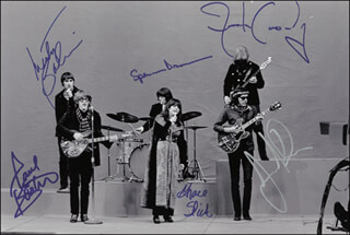 JEFFERSON AIRPLANE - AUTOGRAPHED SIGNED PHOTOGRAPH CO-SIGNED BY: JEFFERSON AIRPLANE (MARTY BALIN), JEFFERSON AIRPLANE (GRACE SLICK), JEFFERSON AIRPLANE (JACK CASADY), JEFFERSON AIRPLANE (SPENCER DRYDEN), JEFFERSON AIRPLANE (PAUL KANTNER), JEFFERSON AIRPLANE (JORMA KAUKONEN)