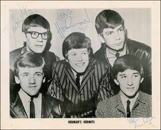 HERMAN'S HERMITS - AUTOGRAPHED SIGNED PHOTOGRAPH CO-SIGNED BY: HERMAN'S HERMITS (PETER NOONE), HERMAN'S HERMITS (DEREK LECKENBY)