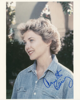 ANNETTE BENING - AUTOGRAPHED SIGNED PHOTOGRAPH