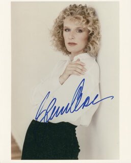 GLENN CLOSE - AUTOGRAPHED SIGNED PHOTOGRAPH