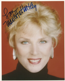 MARIETTE HARTLEY - AUTOGRAPHED SIGNED PHOTOGRAPH