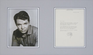 AUDIE MURPHY - TYPED LETTER SIGNED 05/24/1960