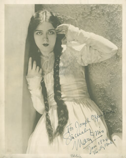 MARY ELLIS - AUTOGRAPHED INSCRIBED PHOTOGRAPH 1/1926