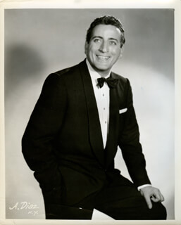TONY BENNETT - PHOTOGRAPH UNSIGNED