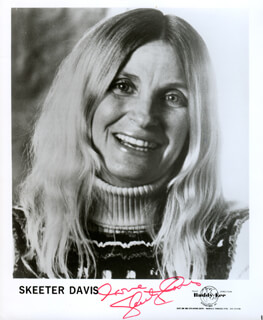 SKEETER DAVIS - AUTOGRAPHED SIGNED PHOTOGRAPH