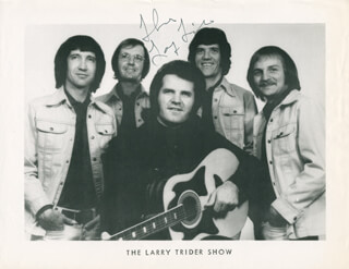 LARRY TRIDER - AUTOGRAPHED SIGNED PHOTOGRAPH