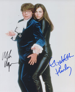 Autographs: AUSTIN POWERS: INTERNATIONAL MAN OF MYSTERY MOVIE CAST - PHOTOGRAPH SIGNED CO-SIGNED BY: MIKE MYERS, ELIZABETH HURLEY