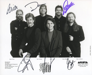 DIAMOND RIO - AUTOGRAPHED SIGNED PHOTOGRAPH CO-SIGNED BY: DIAMOND RIO (GENE JOHNSON), DIAMOND RIO (JIMMY OLANDER), DIAMOND RIO (BRIAN PROUT), DIAMOND RIO (MARTY ROE), DIAMOND RIO (DAN TRUMAN), DIAMOND RIO (DANA WILLIAMS)
