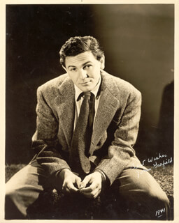 JOHN GARFIELD - AUTOGRAPHED SIGNED PHOTOGRAPH 1941
