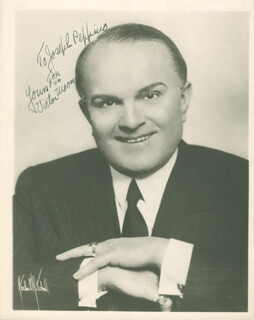 VICTOR MOORE - AUTOGRAPHED INSCRIBED PHOTOGRAPH