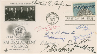 Autographs: DEREK BARTON - FIRST DAY COVER SIGNED CO-SIGNED BY: CHRISTIAN B. ANFINSEN, A.J.P. MARTIN, PAUL KARRER, GERHARD HERZBERG, HAROLD C. UREY, RONALD GEORGE WREYFORD NORRISH, GIULIO NATTA, FREDERICK SANGER, LUIS FEDERICO LELOIR