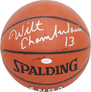 Autographs: WILT THE STILT CHAMBERLAIN - BASKETBALL SIGNED