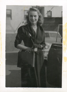 JANET LEIGH - PHOTOGRAPH UNSIGNED
