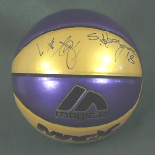 Autographs: THE LOS ANGELES LAKERS - BASKETBALL SIGNED CO-SIGNED BY: MITCH KUPCHAK, JERRY BUSS, BRIAN SHAW, LAMAR ODOM, SASHA VUJACIC