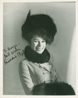 Autographs: GERALDINE CHAPLIN - INSCRIBED PHOTOGRAPH SIGNED
