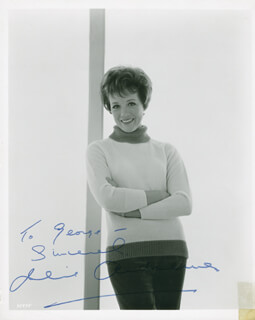 JULIE ANDREWS - AUTOGRAPHED INSCRIBED PHOTOGRAPH  - HFSID 284210