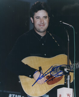 VINCE GILL - AUTOGRAPHED SIGNED PHOTOGRAPH