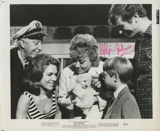 GLYNIS JOHNS - AUTOGRAPHED SIGNED PHOTOGRAPH