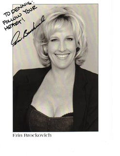 Autographs: ERIN BROCKOVICH - INSCRIBED PHOTOGRAPH SIGNED