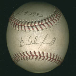 DAVE WINFIELD - AUTOGRAPHED SIGNED BASEBALL