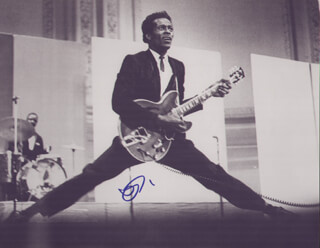 CHUCK BERRY - AUTOGRAPHED SIGNED PHOTOGRAPH  - HFSID 286909