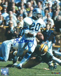 Autographs: LEM BARNEY - PHOTOGRAPH SIGNED