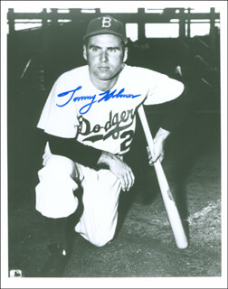TOMMY HOLMES - AUTOGRAPHED SIGNED PHOTOGRAPH