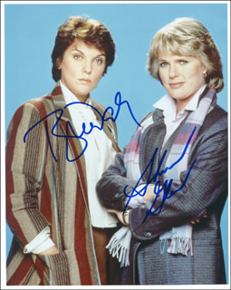 CAGNEY & LACEY TV CAST - AUTOGRAPHED SIGNED PHOTOGRAPH CO-SIGNED BY: SHARON GLESS, TYNE DALY - HFSID 287791