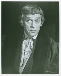 PAUL SCOFIELD - AUTOGRAPHED SIGNED PHOTOGRAPH