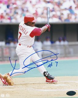 KEVIN MITCHELL - AUTOGRAPHED SIGNED PHOTOGRAPH