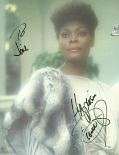DIONNE WARWICK - AUTOGRAPHED INSCRIBED PHOTOGRAPH