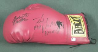 ROBERTO HANDS OF STONE DURAN - BOXING GLOVE SIGNED CO-SIGNED BY: HECTOR MACHO CAMACHO