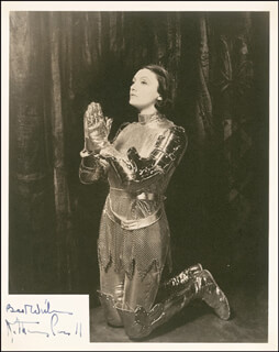 KATHARINE CORNELL - AUTOGRAPHED INSCRIBED PHOTOGRAPH CIRCA 1935