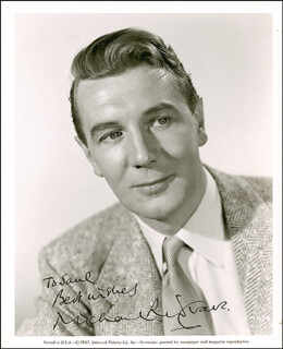 SIR MICHAEL REDGRAVE - AUTOGRAPHED INSCRIBED PHOTOGRAPH CIRCA 1952